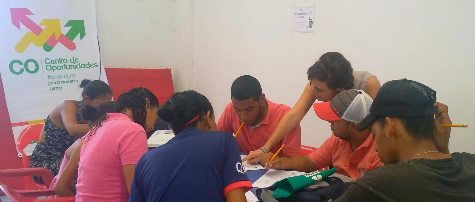 Preparación para el ambiente laboral: la esperanza de los jóvenes de Las Gardenias