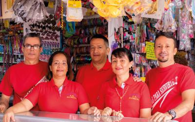 Héroes trabajadores: la familia Castillo y su cacharrería Rosita